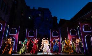 Fotos: (c) Annemone Taake / Theater und Orchester Heidelberg