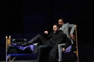 Christian Alexander Müller (Graf Dracula), Maximilian Mann (Jonathan Harker) (c) Heiko Sandelmann